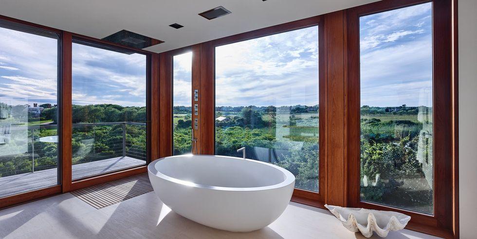 حمام لوکس با چشم انداز طبیعت