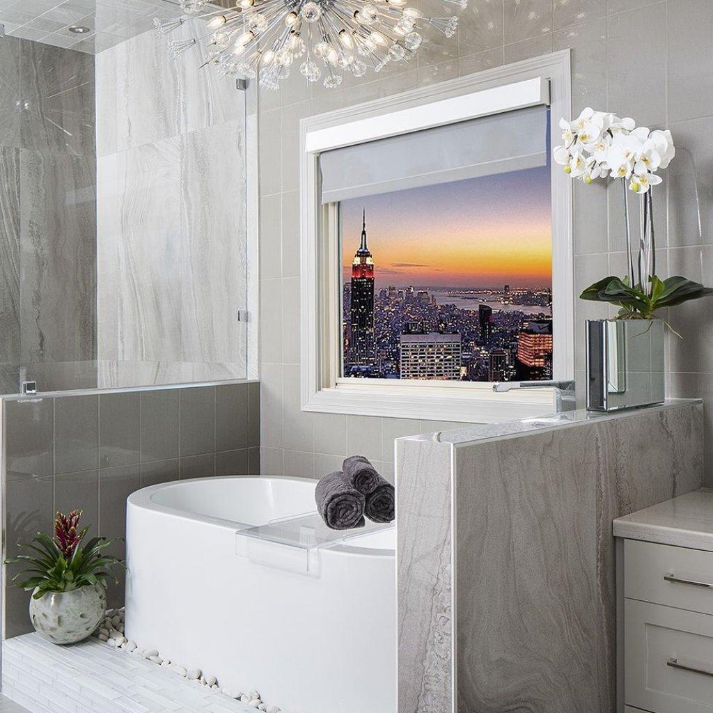 حمام دارای چشم انداز جذاب به شهر