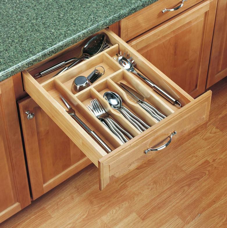 چیدمان ظروف در کابینت