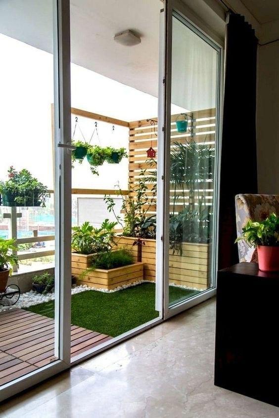 گل و گیاه تراس خانه