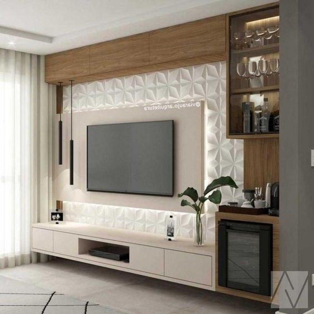 استفاده از شلف و قفسه چوبی و تایل برجسته روی دیوار تلویزیون