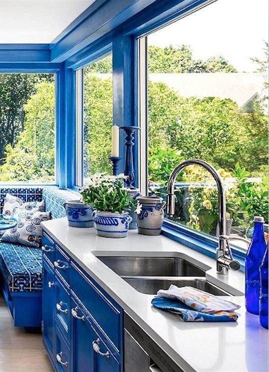 دکوراسیون آبی سفید